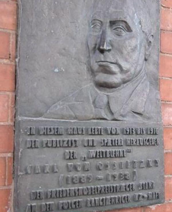 Schmilinskystr. 6: Relief Carl-von-Ossietzky
