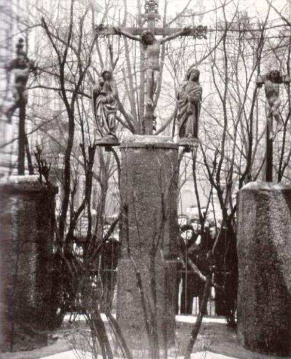 Spadenteich Kreuzigungsgruppe